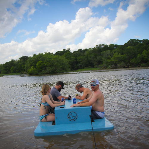 rhino floating picnic table weighs 65lbs holds 600lbs